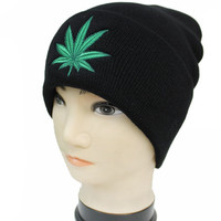 * Basic Classic Long Beanie With Embroidered Weed Logo In Black