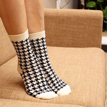 winter cotton socks female rush color with black white British Style houndstooth stripes plaid square pattern quality funny sock