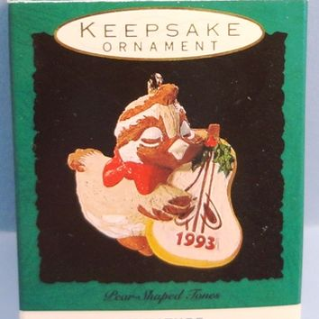 1993 Pear Shaped Tones Hallmark Retired Miniature Ornament