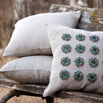 Set of 3 decorative pillow covers -  Linen pillow covers - Eco Friendly - Pillow covers with crochet  flowers  - Aviable 3 flower colors