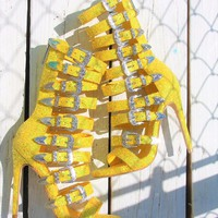 "Wavy Yellow Glitter Multi Buckle Strap High Heel Shoes - 4.75"" Heels"