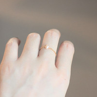 Lovely Handmade Golden Chain Freshwater Pearl Ring by RiceyRice