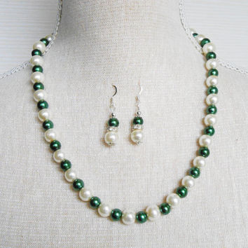 Ivory and dark green Pearl set, Bridesmaid set, Gift for wife, Etsy jewelry, Jewelry set, Mother of the groom, Gift for daughter,