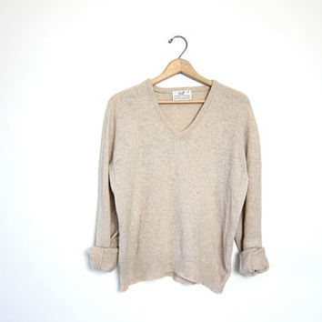 vintage oatmeal sweater. Wool blend sweater. Minimalist sweater. Vneck Fall boyfriend pullover sweater. Basic Simple Sweater. Preppy boho.