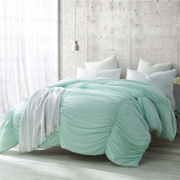 Hint of Mint Waves - Handcrafted Series - Twin XL Comforter