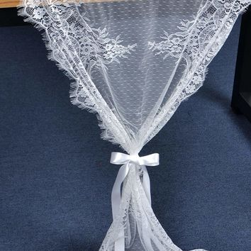 Contrast Lace Mesh Table Runner