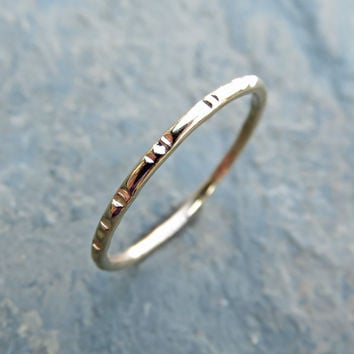 Notched Wedding Band in 14k Gold