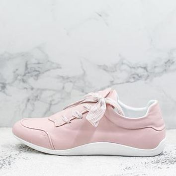 Roger Vivier Sporty Viv' Etiquette Embroidery White Pink Sneakers