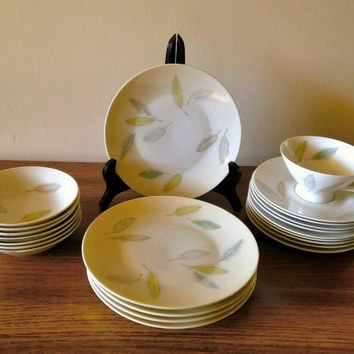 23 Pieces of Rosenthal Bunte Blatter China, Mid Century Modern Dinnerware Rosenthal Form 2000, Pastel Leaves Raymond Loewy Continental China
