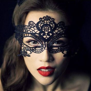 VONE2B5 1pc  2016 New Girls Women Hot sales Black Sexy Lady Lace Mask Cutout Eye Mask for Masquerade Party Fancy Dress Costume