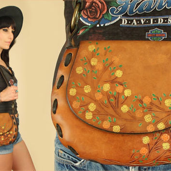 ViNtAgE 70's Hand Tooled Leather Handbag // Floral Flower Details// Hippie BoHo Purse // Brown Leather