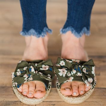 Not Rated Erra Sandals ~ Green Floral