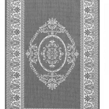 Grey & White Medallion Indoor/Outdoor Area Rug - 5'10 x 9'2