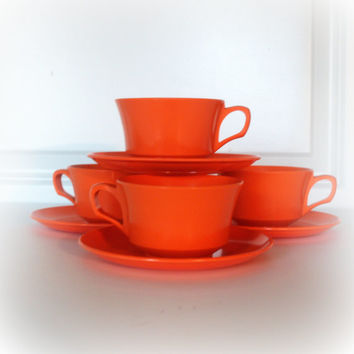 RETRO ORANGE VINTAGE Coffee Cups- Set of 4 with saucers - Mid Century Modern - Kitchen Mugs - Melmac Melamine - Fun Retro Kitchen