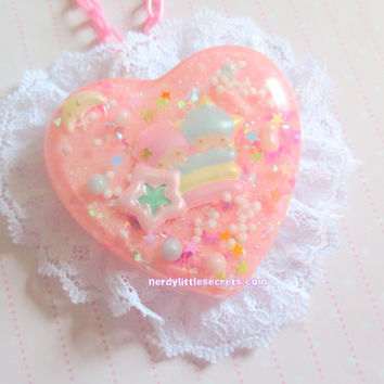 Pastel Pink Lace Shooting Star Little Twin Stars Necklace/Brooch