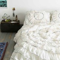 Plum & Bow Ruffle-Medallion Duvet Cover- Ivory Twin Xl