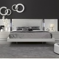 Seville Platform Bed 1793211 by J&M Furniture - Opulentitems.com