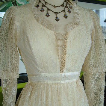 Vintage 1970s Gunne Saxe jessica mc by RetroVintageWeddings