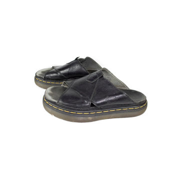 9 US | Dr Martens black leather slip on platform sandals / fisherman slides 9646 / chunky heavy platforms / 8 UK | 9 US | 42 Eur