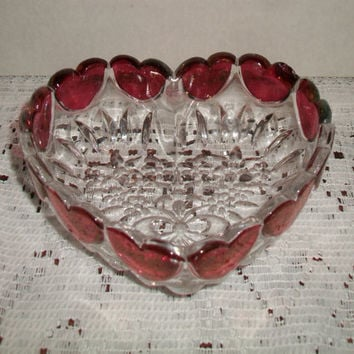 Vintage Cranberry Glass Heart Candy Dish Retro Bowl Kitchen Home Decor Christmas Valentine's Day