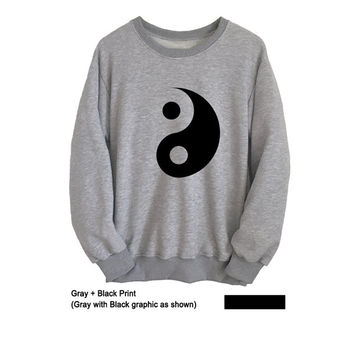 Yin Yang T Shirt Grey Crewneck Sweatshirt for Teen Women Men Unisex Grunge Sweater Tumblr Outfits Jumper Boho Chic Lazy Winter Fashion