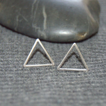 silver triangle stud earrings, tiny geometric earrings, everyday jewelry, minimalist earrings, triangle studs, open triangle earrings