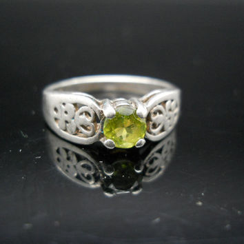 Peridot Ring Sterling Silver Filigree Band Green Stone Size 6.5 925