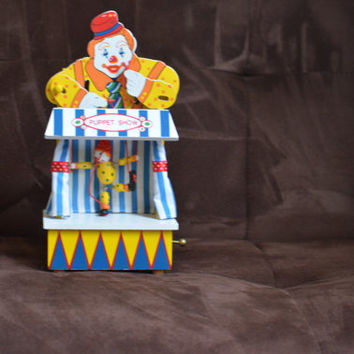 Vintage Clown Puppet Show Animated Music Box The San Francisco Company  late 70's early 80's