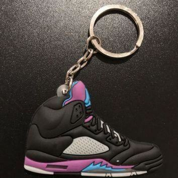 DCK7YE Jordan 5 Retro 'Black Grape' Sneaker Keychain