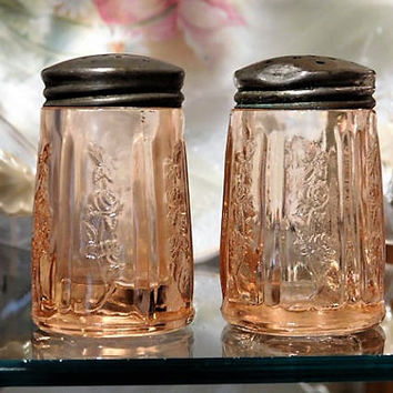 1930s Pink Depression Glass SHARON Cabbage Rose Salt Pepper Shakers Set Federal Glass Co Vintage Kitchen Home Decor Wedding Tableware Table