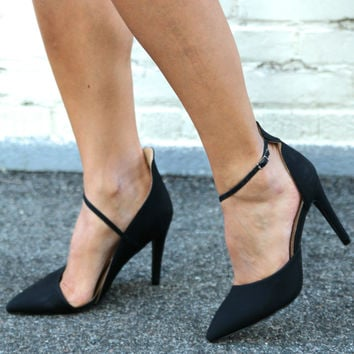 """Eliza"" Diagonal Ankle Strap Almond Toe Pumps - Black"