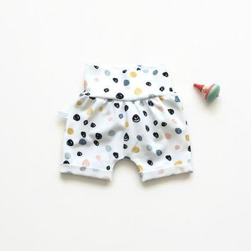 Slim fit shorts with colourful dots. Comfy toddler or baby shorts. Organic cotton knit fabric.