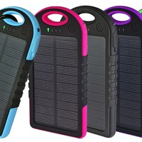 10,000mAh Water Resistant Clip-On Solar Power Bank