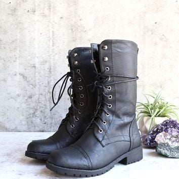 lace up combat boot - black