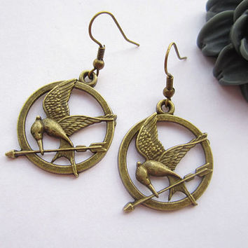 Mockingjay inspired earrings---antique bronze The hunger game style pendant&alloy ear hook