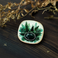 Silent Marsh wooden gemstone brooch, indie mystical handpainted brooch, woodland boho jewelry, white and green moss agate