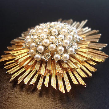 BOUCHER Star Sun Burst Glass Pearl Brooch, Radiating Spikes/Rays, 3 Layer Tier, Gold Tone, Vintage