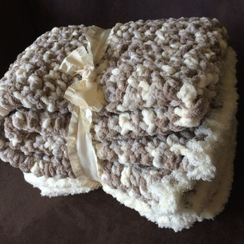 Crochet Super Soft Chunky Baby Blanket Afghan Throw Beige Gray White