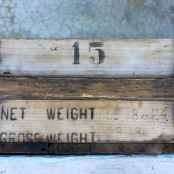 vintage wooden armory crate : large wooden weapon ammunition box