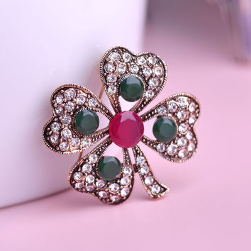 Clover Love Brooch Pin