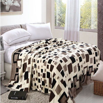 Hot Sale Coral Fleece Fabric Blanket Throws On Sofa Bed Plane Travel Plaids Modern Style Soft Bed Sheet yl02