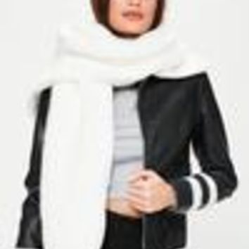 Missguided - White Faux Shawl Scarf
