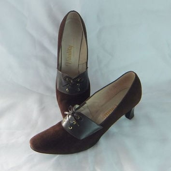 1940s - 50s / Vintage / WWII / Brown Suede / Leather / Lace up Shoes / Heels / Pumps / size 12