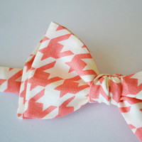 Mens Freestyle Bowtie- Pink Houndstooth