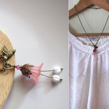 Blushing Spring Summer Nature Love by AnnMichTreasureBox on Etsy