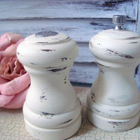 Shabby Chic Cream Painted Vintage Wooden Salt Shaker and Pepper Mill Grinder Set, Cottage Chic Small Salt and Pepper Shaker Set, Up Cycled