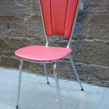 Fuchsia chair, from the 70's