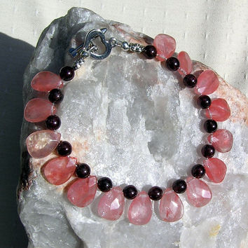 "Strawberry Quartz & Garnet Crystal Gemstone Bracelet - ""Strawberry Fizz"""