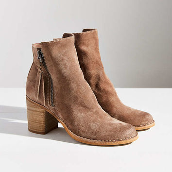 Dolce Vita Lana Ankle Boot - Urban Outfitters