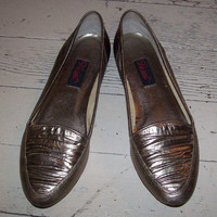Bronze Gold metallic Flats 1980s size 7 by cashmerevintage on Etsy